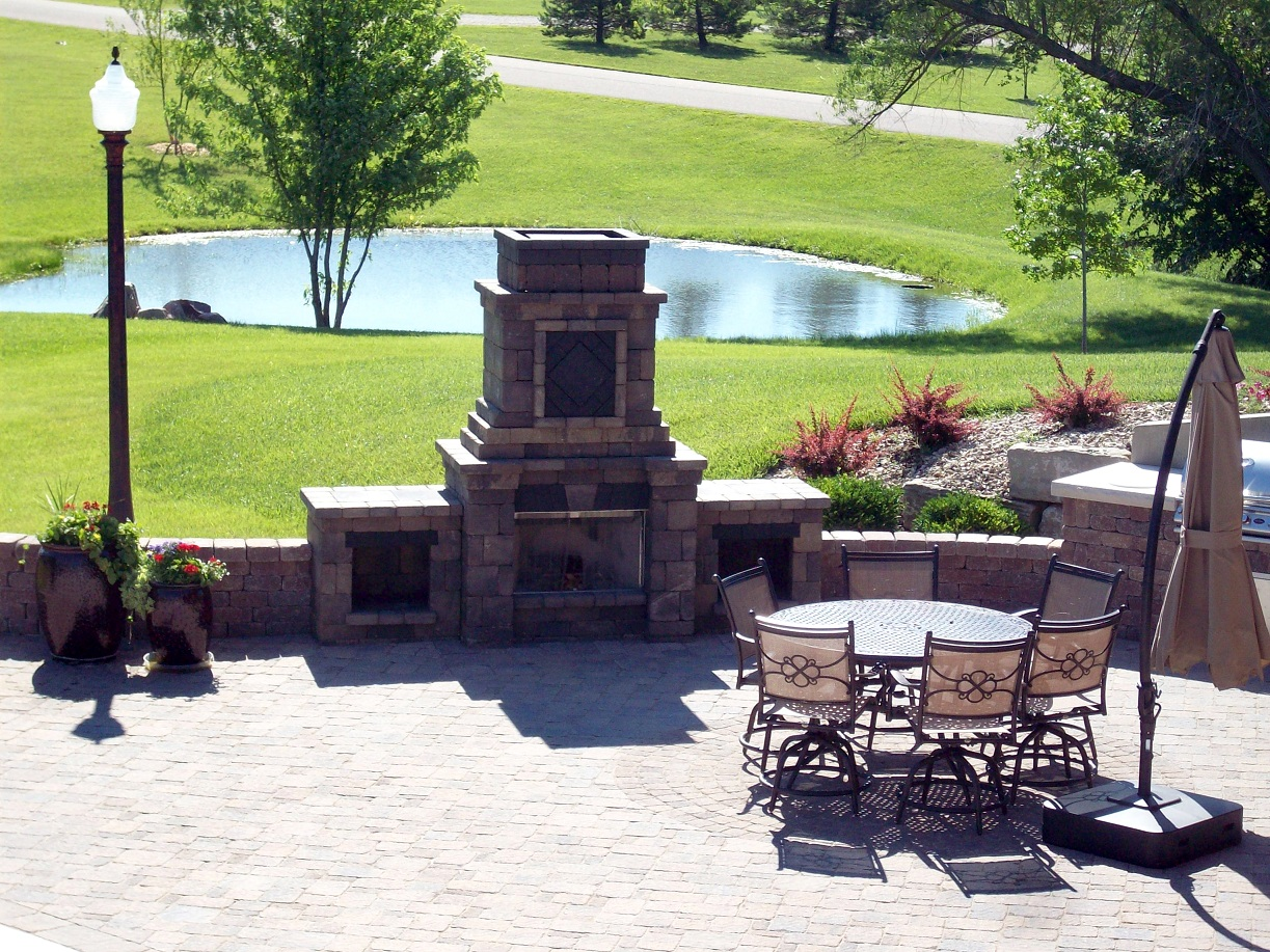 Outdoor Living & Hardscape